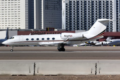 NetJets | Gulfstream G450 | N440QS | Las Vegas McCarran (Dennis HKG) Tags: netjets eja 1l aircraft airplane airport plane planespotting bizjet businessjet canon 7d 100400 lasvegas mccarran klas las gulfstream g450 glf4 n440qs