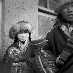 tibet1999_88 (Shinya Arimoto) Tags: tibet 6×6 bw tmax400 tibet1999 rolleiflex xenotar 80mm f28 portrait