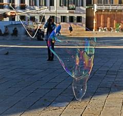 """Curieux """"masque"""" de Venise. (caramoul25) Tags: venise venice venezia masque bulle caramoul25"""