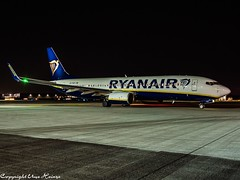 Ryanair EI-FOZ HAJ at Night (U. Heinze) Tags: aircraft airlines airways airplane olympus night flugzeug planespotting plane haj hannoverlangenhagenairporthaj eddv