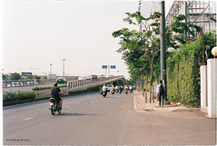 000042 (vuphone0977) Tags: vietnam yashica takuma 55f18 vistaplus200 saigon sàigòn cafe2fone landscape streetlife mylife