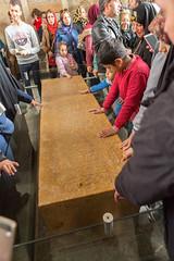 Recueillement (hubertguyon) Tags: iran perse persia asie asia moyen proche orient middle east chiraz shiraz ville city tombe tomb grave saadi poete poet mausolée mausoleum