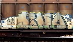 graffiti on freights (wojofoto) Tags: amsterdam nederland netherland holland graffiti streetart cargotrain freighttraingraffiti freighttrain freights fr8 vrachttrein wojofoto wolfgangjosten trein train dino