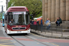 17 (Callum's Buses and Stuff) Tags: madderandwhite madderwhite madder mader buses bus busesedinburgh buseslothianbuses edinburghbus edinburgh lothianbuses lothian lothianedinburghedinburgh 7900 volvo hybrid iron man