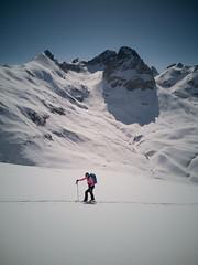 IMG_20190501_095930 (N1K081) Tags: alps austria berge bergtour lech mehlsack mountains schnee ski skifahren skitour stierlochjoch winter zug österreich