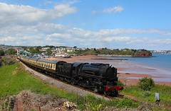 6046 Goodrington Sands (Robert Sherwood) Tags: too warm for any meaningful exhaust but s160 no6046 still looks impressive hauling load 10 up goodrington bank working 1425 paignton kingswear tuesday 21st may 2019