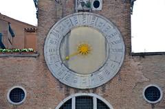 San Giacomo di Rialto Clock (Joe Shlabotnik) Tags: church chiesa italia april2019 2019 venezia venice italy clock afsdxvrzoomnikkor18105mmf3556ged