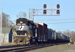 GP60 leading a local westbound at Kendallville Indiana (Matt Ditton) Tags: gp60 norfolk southern kendallville indiana local