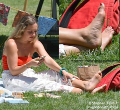 DSC_2305_WEF attendee barefoot on the grass w/ with inset to show toe ring (sdttds) Tags: feet soles arches ankles toes フィート 腳 ноги ฟุต chân 足 pieds pies wawae miguu fuesse füse pés piedi pedibus peds beauty beautiful power powerful feminine femininity barefoot toering footjewelry
