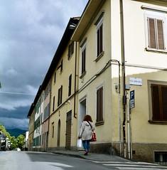 Strade di Arezzo (michele.palombi) Tags: arezzo tuscany film 120mm rolleicord c41 negativo colore medio formato 6x6