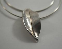 Precious metal clay pendant (Bits of Clay) Tags: handmade leaf preciousmetalclay pendant originalooak