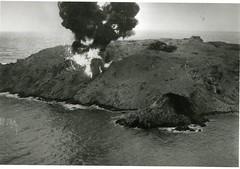 Bombardement au napalm de l'île de Cezembre en 1944