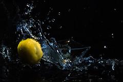 Bigger Splash (Christoph Wenzel) Tags: gelb deutschland manuell neuhaus wasser thüringen carlzeissjena studio sonyalpha7riii frühling schwarz pancolar1850 m42 glas neuhausamrennweg