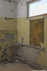 Miezekatzen. (Ecken und Kanten) Tags: russia russian russians urban urbex mitiitary lost places exploring gssd