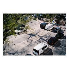F200930144-16 (csinnbeck) Tags: analog film hamburg germany 2019 canon primazoom primazoom85n 85n sureshot fujicolor c200 fuji fujifilm street road hamborg deutschland hammerbrook spring shadow shadows sign