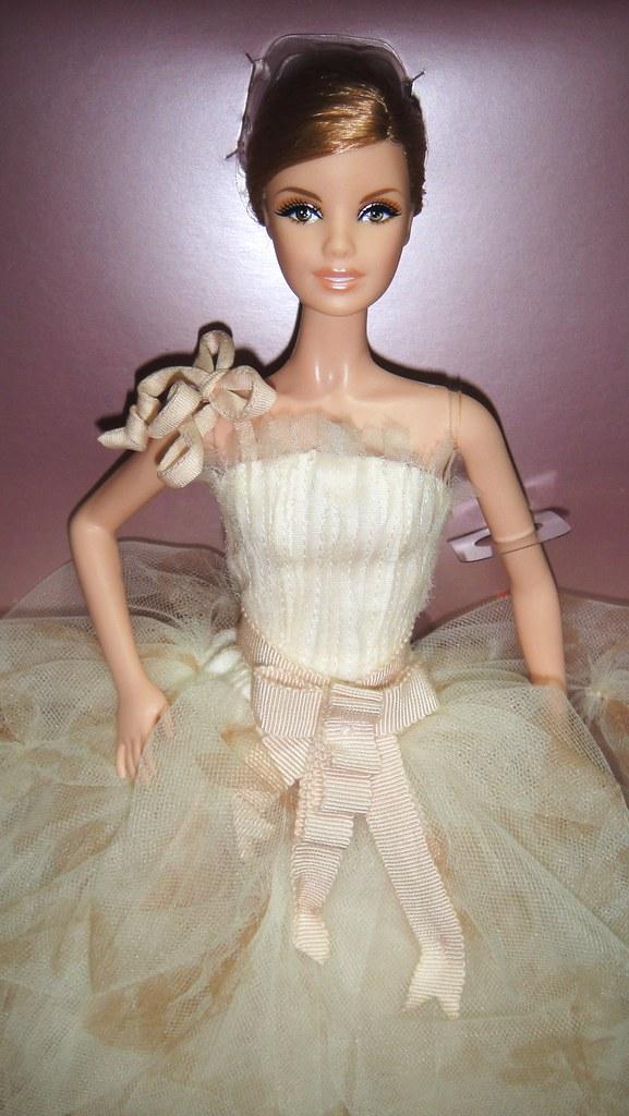 d2bf8197f948 2011 Vera Wang Bride The Traditionalist Barbie (3) (Paul BarbieTemptation)  Tags: