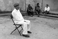 El señor de la boina (Marcos Núñez Núñez) Tags: streetphotography street people streetphotographer boina blanco blackandwhite blancoynegro bw canon canoneos80d canondslr calle museo regional méxico oaxaca tuxtepec gente