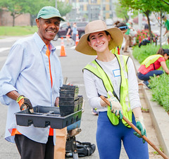 2019.05.04 Vermont Avenue Garden Blooms and Work Party, Washington, DC USA 01805