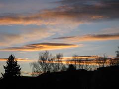 Abenddämmerung (✿ Esfira ✿) Tags: wolken clouds abenddämmerung twilight dusk stockerau österreich austria niederösterreich loweraustria