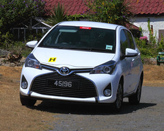 AA184448a (Lee Mullins) Tags: guernsey toyota yaris hirecar jerbourg