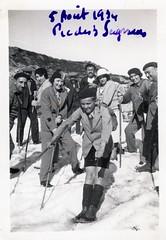 Pic des 3 Seigneurs (Ariège), 5 août 1934 (Cletus Awreetus) Tags: photographie photoancienne ariège homme femme neige été