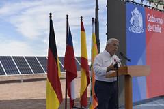 Foto34 (Intendente de Tarapacá) Tags: intendente quezada y ministra de energía participaron en la instalación los 1ros paneles fotovoltaicos granja solar 22052019