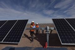 Foto22 (Intendente de Tarapacá) Tags: intendente quezada y ministra de energía participaron en la instalación los 1ros paneles fotovoltaicos granja solar 22052019