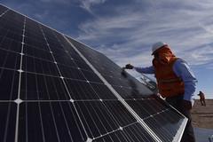 Foto20 (Intendente de Tarapacá) Tags: intendente quezada y ministra de energía participaron en la instalación los 1ros paneles fotovoltaicos granja solar 22052019