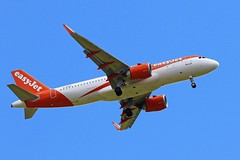 G-UZHT EASYJET AIRBUS A320 FROM FRONT GARDEN (toowoomba surfer) Tags: jet aeroplane aviation aircraft airline airliner ncl