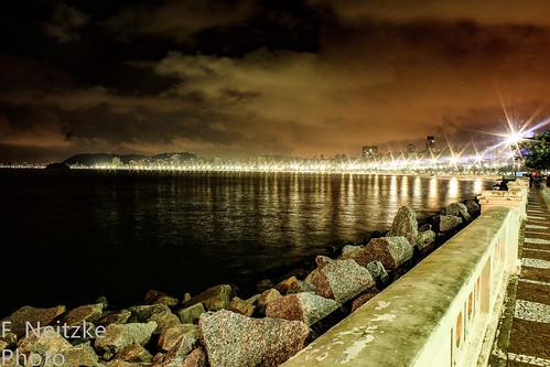 1 Santos at night