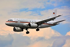 (LBG) German Air Force Airbus A319-133CJ  15+02 Landing runway 27 (dadie92) Tags: lfpb lebourget germanairforce airbus a319 a319133cj landing spotting airplane aircraft 1502 berlin nikon d7100 sigma tamron danieldanel