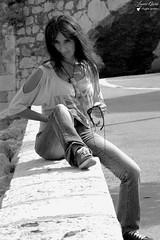 Fauve (Laurent Quérité) Tags: canonfrance canoneos7d canonef100400mmf4556lisusm blackwhite noirblanc portrait woman femme monochrome villefranchesurmer alpesmaritimes france