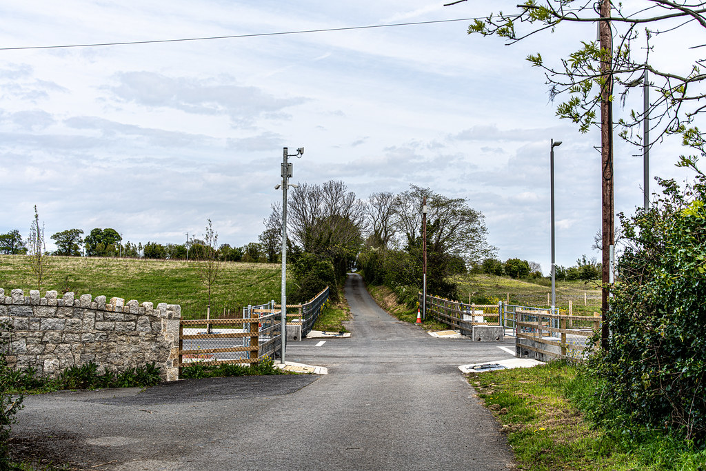 LEHAUNSTOWN LANE [NEAR THE LAUGHANSTOWN TRAM STOP IN CHERRYWOOD]-152295
