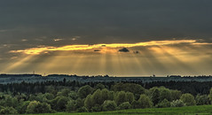 Sunbeams (Claude@Munich) Tags: germany bavaria upperbavaria bad tölzwolfratshausen egling ergertshausen sun sunbeams sunrays rays sunset dark clouds claudemunich bayern oberbayern isartal sonne sonnenstrahlen sonnenuntergang dämmerung dunkel explore explore19190507