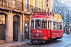 Tramcar (carlos_ar2000) Tags: tranvia tramcar tramway tram carris color colour calle street gente people lisboa portugal
