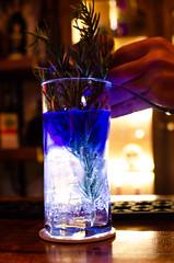 DSC_2356 (johnmoralesh) Tags: drink coctel cocktail cocktails bar restaurant night blue closeup nikon 35mm producto product barman