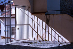 Graz (::ErWin) Tags: graz burg austria österreich styria steiermark 2470 schatten shadow gate tor