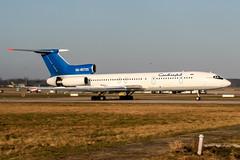 RA-85725 (PlanePixNase) Tags: ra85725 aircraft airport planespotting haj eddv hannover langenhagen sibir tupolev tu154 t154