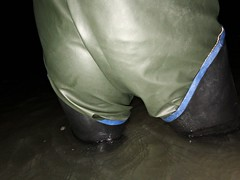 Follow me (essex_mud_explorer) Tags: waders rubber boots rubberboots rubberwaders thighwaders thighboots cuissardes watstiefel uniroyalcentury bottom rainwear rainbib waterproof wading