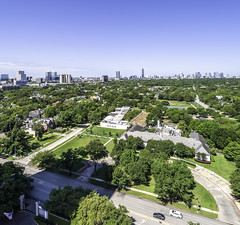 River Oaks-Houston Skyline-ROBB-Mabry Campbell (Mabry Campbell) Tags: 2019 dji harriscounty houston jll mabrycampbell may riveroaks texas usa aerial building image photo photograph skyline
