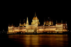 Parliament in Budapest (ralf galloway) Tags: budapest hungary parliament building night architecture