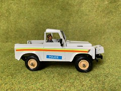 Britains Ltd - Land Rover Pick Up - Police - Miniature Diecast Metal Scale Model Emergency Services Vehicle (firehouse.ie) Tags: toys toy vehicules vehicule voiture vehicles vehicle vintage 4wd 4x4 landie models model miniatures miniature metal landrover police britains