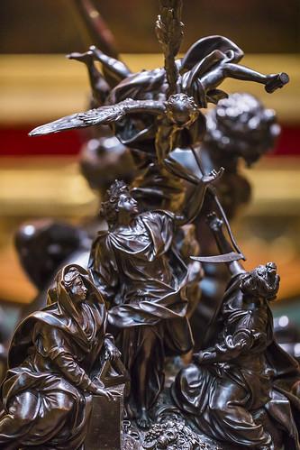 20190508_F0001: The decorative sculptures also comes in bronze