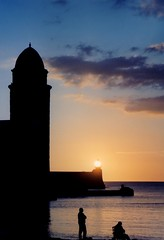 Collioure notre dame des anges church bell tower and pier lighthouse rising sun (patrick555666751 THANKS FOR 6 000 000 VIEWS) Tags: collioure notre dame des anges church bell tower pier lighthouse rising sun eglise iglesia igreja chiesa clocher campanar mediterranee mediterraneo mediterranean cotlliure cote vermeille pyrenees orientales roussillon rossello pays catalan paisos catalans france europe europa catalogne catalunya catalonia lever du soleil sunrise jetee jetty phare faro patrick55566675
