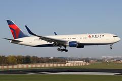 N172DN 20042013 (Tristar1011) Tags: ebbr bru brusselsairport delta deltaairlines boeing 767300er b763 n172dn