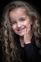 DENS9062 (YouOnFoto) Tags: meisje girl eyes ogen krullen curly kind lowkey emotional portret portrait closeup dark smile hands glimlach fujifilm xt20 systeemcamera natural light daglicht
