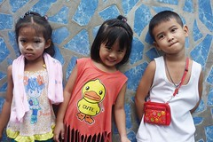 cute (the foreign photographer - ฝรั่งถ่) Tags: three children khlong thanon portraits bangkhen bangkok thailand sony rx100 happyplanet asiafavorites