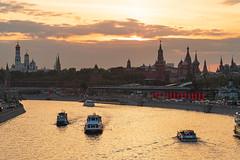 Moskva River (gubanov77) Tags: moscow russia moskvariver kremlin sunset river water sky city cityscape goldenhour
