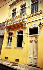 porta de casa (lucia yunes) Tags: arquitetura porta portadecasa portaderua rua fachada door luciayunes motoz3play house home architecture street