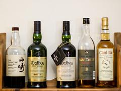 The Usual Suspects (bredmañ) Tags: whisky malt maltwhisky bottle yamazaki ardbeg mars caolila islay peated alcohol booze drink olympus em1mkii porst fujinon 50mm12 scotch japanese